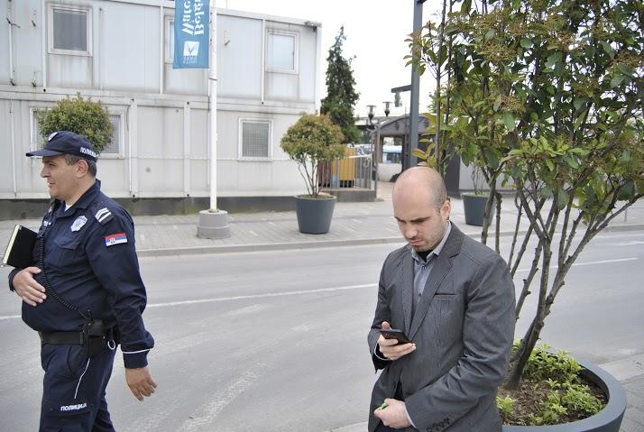 Полиција и представник града у акцији