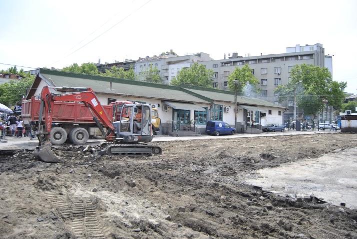 """Асфалтирање платоа на пијаци """"Скадарлија"""". Фото: Београдске.рс"""