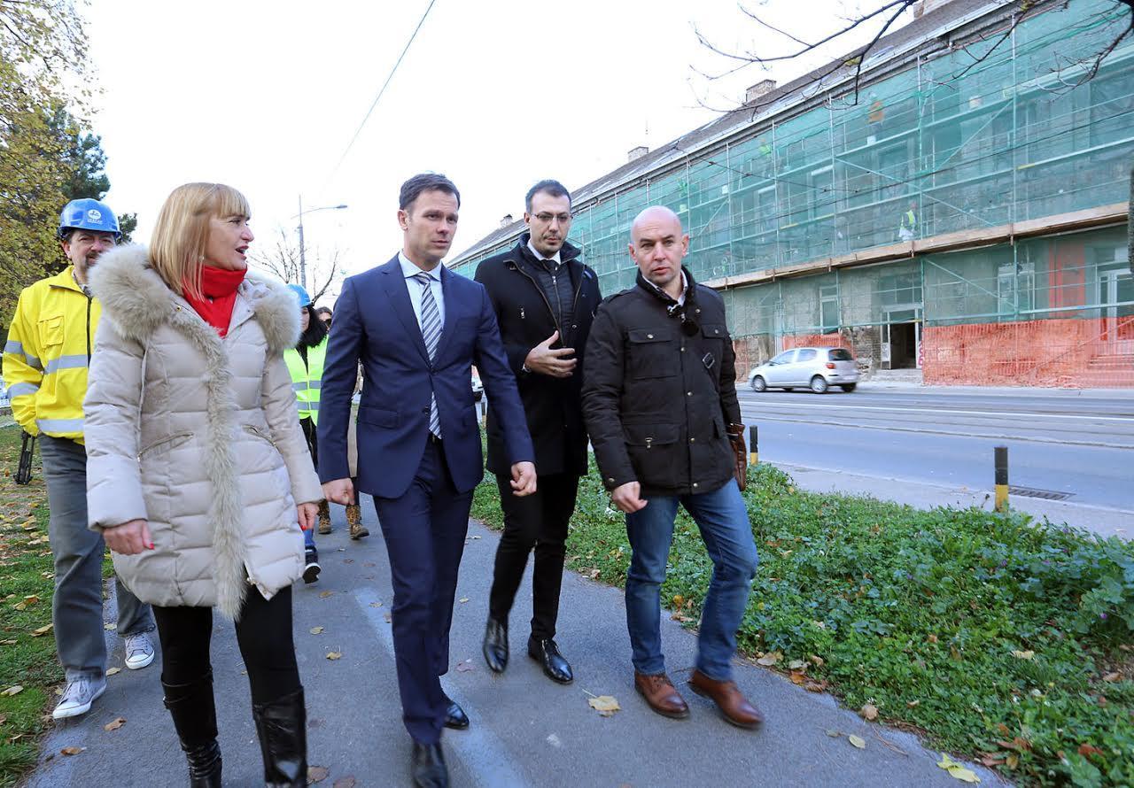 Синиша Мали и Цинцар-Поповски (крајње десно) Фото: Пиштаљка