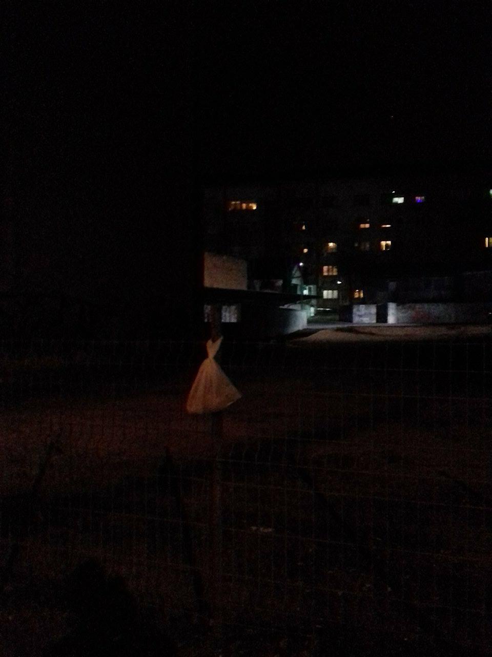 Мистериозна девојка оставља кесу са храном за бескућнике Фото: Београдске.рс